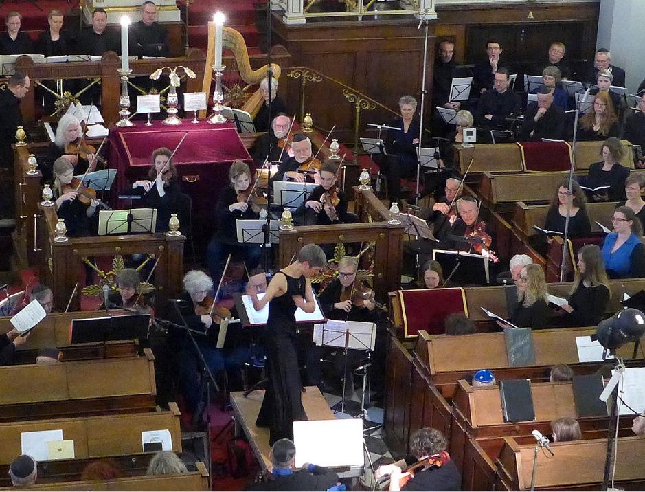 Akademisk Orkester og Kor opførte Leonard Bernsteins Kaddish af to omgange for en fyldt synagoge.