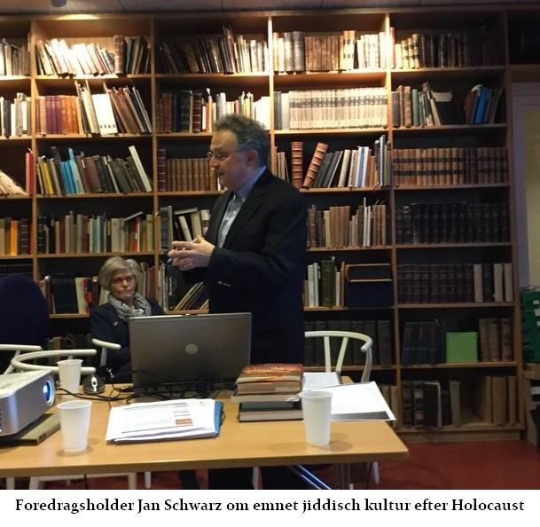 Jan schwarz holder foredrag i Salon Schmuus om jiddisch kultur efter Holocaust
