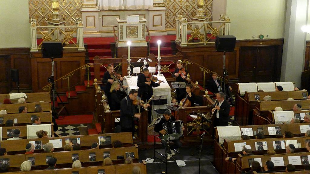 Musikere og publikum i fugleperspektiv