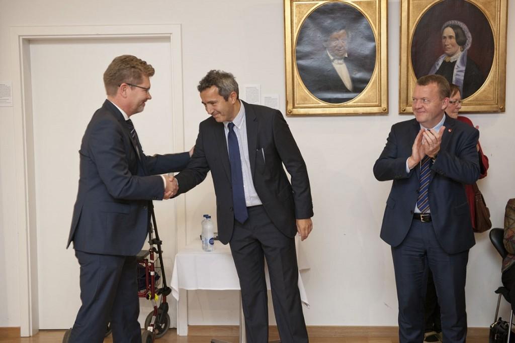 Formanden for Det Jødiske Samfund hilser på overborgmesteren - Foto Mikael Hjuler