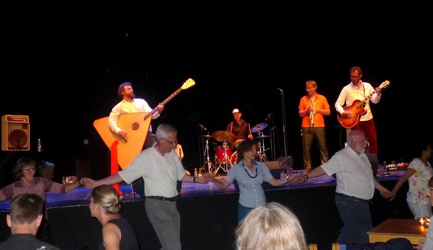 Publikum danser til Channe Nussbaum under Jødisk Kulturfestival 2016