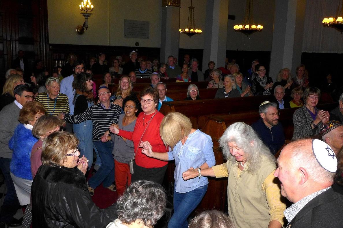 Dans i synagogen under nytårskoncerten 2015
