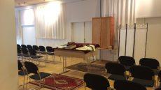 Gudstjenesterne er flyttet fra synagogen