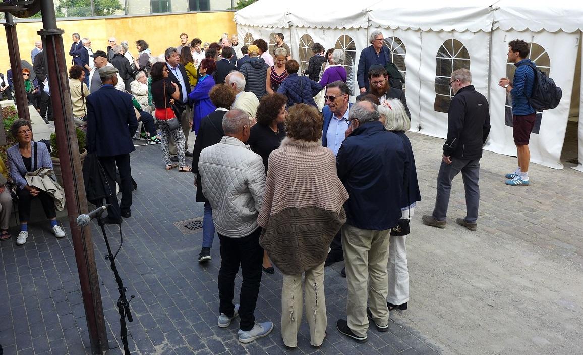 Gæster i gården ved åbning af kulturfestivalen 2017